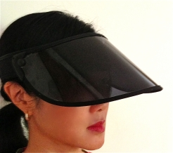 DR SERENE'S SUNVISOR THE ULTIMATE SUN PROTECTION www.dlux.gr